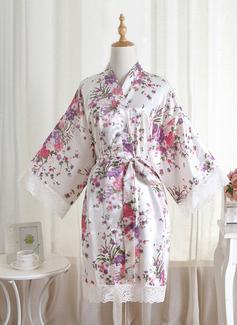 Niet-persoonlijke charmeuse Bruid Bruidsmeisje mam Lace gewaden Floral gewaden