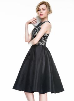 A-Line/Princess Scoop Neck Knee-Length Taffeta Lace Cocktail Dress