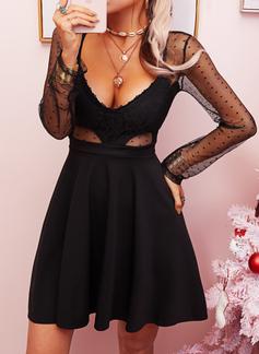Spitze Einfarbig A-Linien-Kleid Lange Ärmel Mini Kleine Schwarze Sexy Skater Modekleider