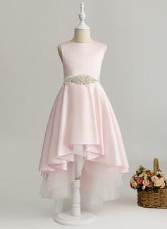 Aライン 非対称 フラワーガールのドレス - サテン 袖なし スクープネック とともに ビーズ 着脱可能なサッシ