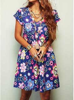 Blommig Print Shiftklänningar Korta ärmar Mini Boho Fritids Semester Tunika Modeklänningar