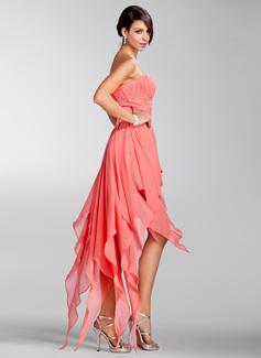 Forme Princesse Sans bretelle Traîne asymétrique Mousseline Robe de vacances avec Emperler Robe à volants