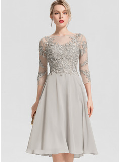 A-Line Scoop Neck Knee-Length Chiffon Cocktail Dress With Beading Appliques Lace