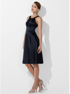 A-Line/Princess Scoop Neck Knee-Length Charmeuse Bridesmaid Dress With Ruffle