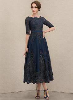 A-Line Scoop Neck Tea-Length Lace Evening Dress