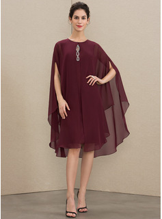 A-Line Scoop Neck Knee-Length Chiffon Mother of the Bride Dress With Beading