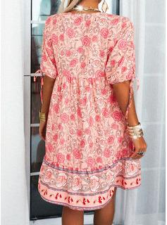 Fleurie Imprimé Coupe droite Manches Courtes Midi Décontractée Tunique Robes tendance