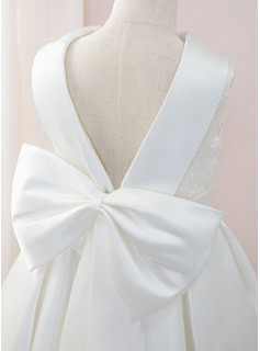 Ball-Gown/Princess Floor-length Flower Girl Dress - Satin/Lace Sleeveless Scoop Neck With Bow(s)
