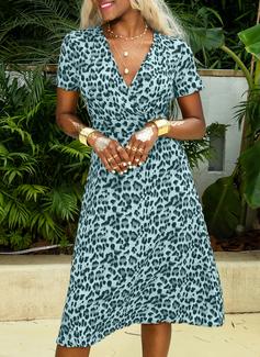 Midi V neck Polyester Print Short Sleeves Fashion Dresses