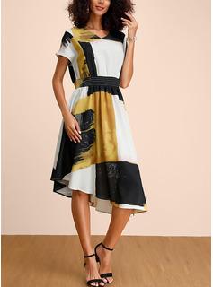 Medium V-hals Polyester Print/Farve-blok Korte ærmer Mode kjoler