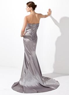 Forme Sirène/Trompette Bustier en coeur Traîne moyenne Charmeuse Robe de vacances avec Plissé Emperler