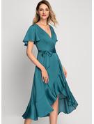 A-linjeklänning Korta ärmar Asymmetrisk Romantiskt Elegant Modeklänningar