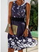 Blommig Spets Print A-linjeklänning Ärmlös Midi Fritids Elegant skater Modeklänningar