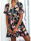 Floral Impresión Vestido línea A Manga Acampanada Manga Corta Mini Casual Patinador Vestidos de moda