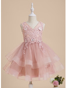A-Line V-neck Knee-length With Beading/Flower(s)/Sequins Tulle/Lace Flower Girl Dress
