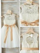 A-linjainen/Prinsessa Pyöreä kaula-aukko Polvipituinen Tylli Nuorten morsiusneito mekko jossa Satiininauhavöitä Rusetti