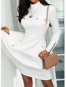 Einfarbig A-Linien-Kleid Lange Ärmel Mini Elegant Skater Modekleider