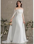Forme Fourreau Hors-la-épaule Traîne moyenne Mousseline Robe de mariée