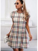 Tela escocesa Cubierta Manga Corta Midi Casual Vestidos de moda
