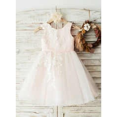 A-Line/Princess Knee-length Flower Girl Dress - Satin/Tulle/Lace Sleeveless Scoop Neck With Appliques (010144173)