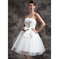 A-Line/Princess Strapless Knee-Length Tulle Wedding Dress With Ruffle Bow(s)