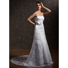 A-Line/Princess Sweetheart Court Train Lace Wedding Dress With Beading Flower(s)