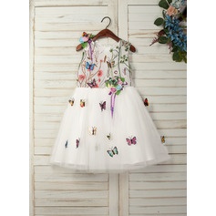 A-Line/Princess Knee-length Flower Girl Dress - Tulle/Lace Sleeveless Scoop Neck With Appliques/Flower(s) (010130942)
