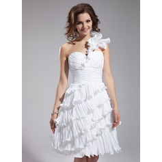 Forme Princesse Encolure asymétrique Longueur genou Taffeta Robe de soirée étudiante avec Robe à volants Plissée