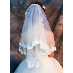 One-tier Lace Applique Edge Fingertip Bridal Veils With Lace (006121684)