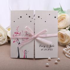 Personlig Blommig Stil Gate-Vik Invitation Cards med Färgband (Sats om 50)