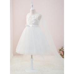 Ball-Gown/Princess Knee-length/Court Train Flower Girl Dress - Tulle/Lace Sleeveless V-neck With Beading/Flower(s)
