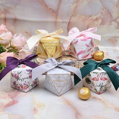 Lovely/Simple/Nice/Diamond Design diamond shape paper Favor Boxes With Ribbons