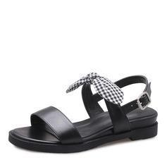 Kvinnor Äkta läder Kilklack Sandaler Platta Skor / Fritidsskor Peep Toe Slingbacks med Bowknot Spänne skor