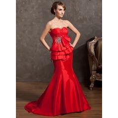 Trumpet/Mermaid Sweetheart Court Train Taffeta Holiday Dress With Ruffle Beading