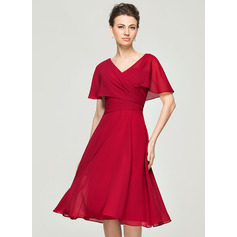 A-Line/Princess V-neck Knee-Length Chiffon Cocktail Dress With Ruffle (016111361)
