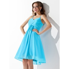 A-Line/Princess V-neck Knee-Length Chiffon Homecoming Dress With Ruffle (022002311)