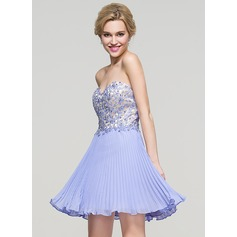 A-Line/Princess Sweetheart Short/Mini Chiffon Homecoming Dress With Beading Sequins Pleated