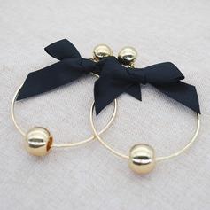 Stilvoll Bügeleisen Frauen Art-Ohrringe (Sold in a single piece)