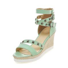 Женщины кожа Вид каблука На каблуках Танкетка с заклепки пряжка обувь