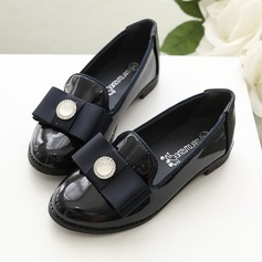Mädchens Geschlossene Zehe Lackleder Blumenmädchen Schuhe mit Bowknot