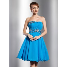 Empire Sweetheart Knee-Length Chiffon Homecoming Dress With Ruffle Flower(s) Sequins