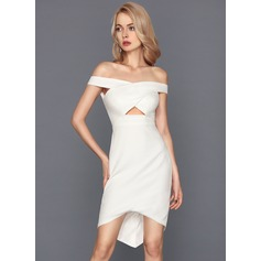 Linjeform Off-the-Shoulder Asymmetrisk Strekk-crêpe Cocktailkjole