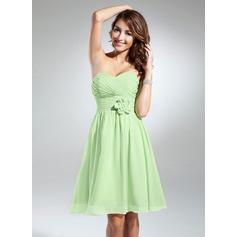 A-Line/Princess Sweetheart Knee-Length Chiffon Bridesmaid Dress With Ruffle Flower(s)