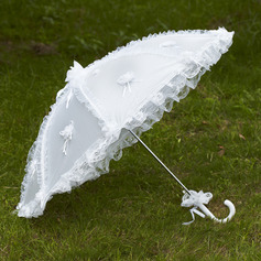 Dreamlike Lace Wedding Umbrellas