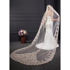 One-tier Lace Applique Edge Chapel Bridal Veils With Sequin/Lace (006150920)