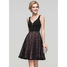 A-Line/Princess V-neck Knee-Length Lace Homecoming Dress With Beading (022089936)