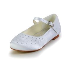 Fille de Bout fermé Satin talon plat Chaussures plates Chaussures de fille de fleur avec Boucle Strass (207095469)