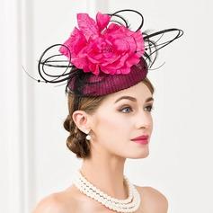 Dames Spécial Batiste avec Feather/Une fleur Chapeaux de type fascinator/Kentucky Derby Des Chapeaux/Chapeaux Tea Party