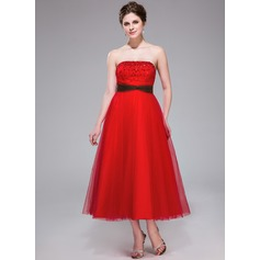 A-Line/Princess Strapless Tea-Length Tulle Homecoming Dress With Ruffle Sash Beading