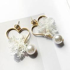 Gentil Alliage De faux pearl Dentelle avec Perle d'imitation Dentelle Femmes Boucles d'oreille de mode (Lot de 2)